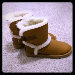 UGG boots in chestnut color